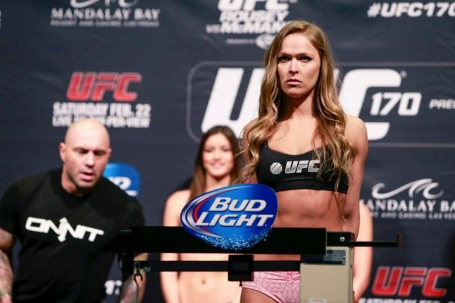 ester-lin-photo-ronda-rousey-weigh-in-ufc-170-j