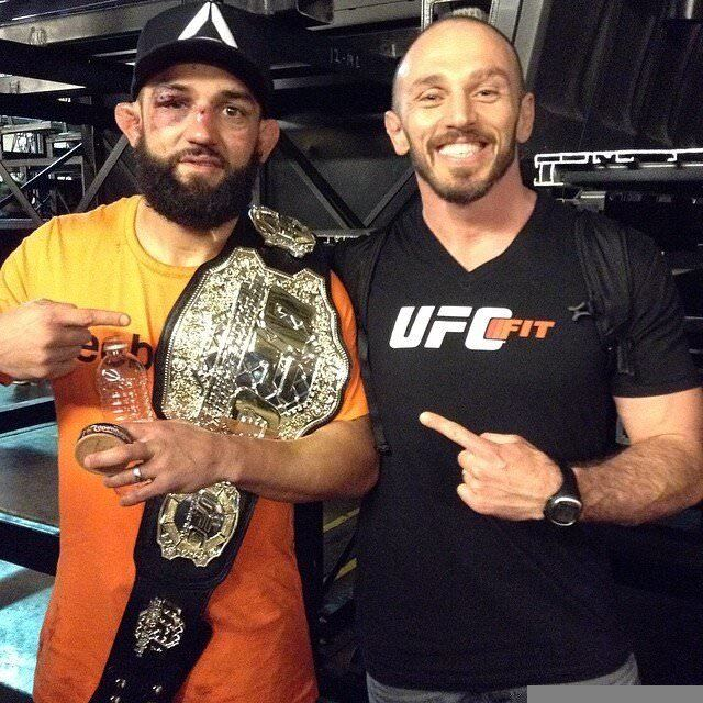 johny-hendricks-mike-dolce-champion-march-15-2014