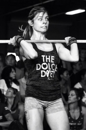 Dolce Dietitian Samantha Wilkinson, MS, RDN, LD, tears it up on the chin-up bar at the Sin City CrossFit Police & Fire Games.