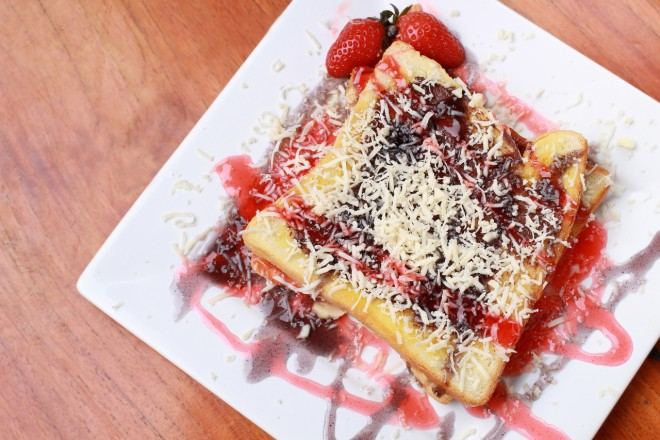 Peanut Butter & Jelly French Toast from The Dolce Diet: Living Lean Cookbook.